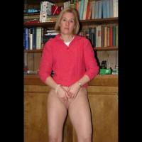 Sexy Suz Naked & Masturbating