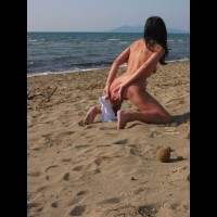 Sand Doggy - Naked Girl, Nude Amateur