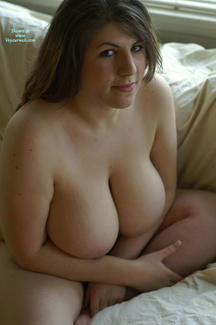 Amateur chubby brunette big boobs