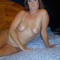 Reds Sexy Wife