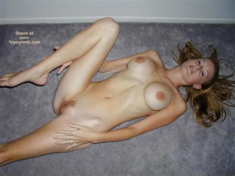 Pic #7 - Lexi - 21 Yo Blonde Floor Play