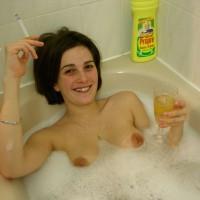 Aurore Dans Son Bain