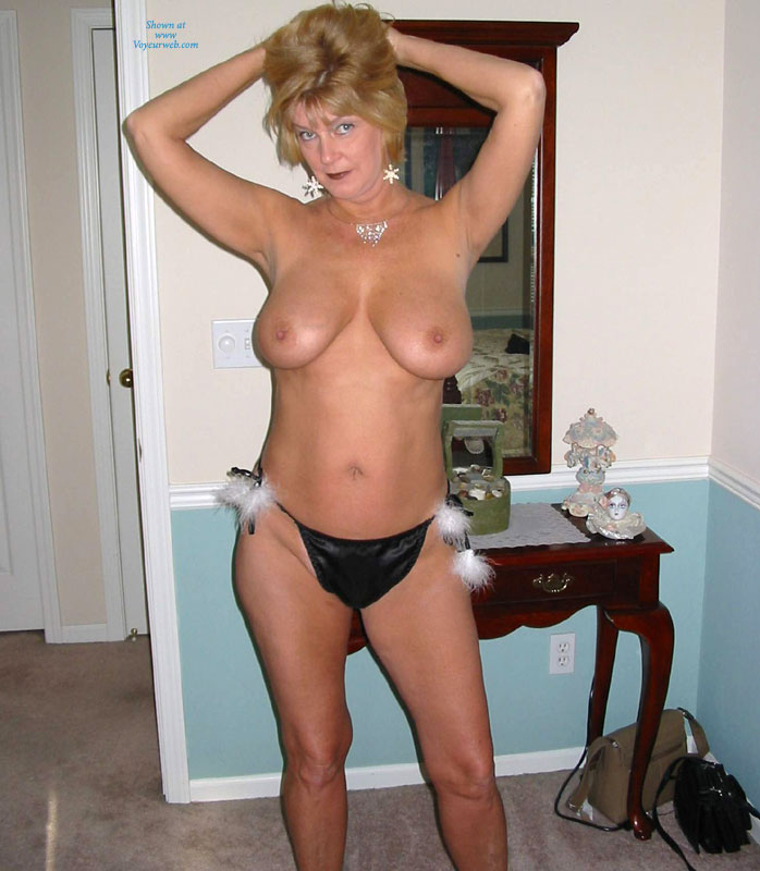 Pic #9 - Over 60 And Still Nude