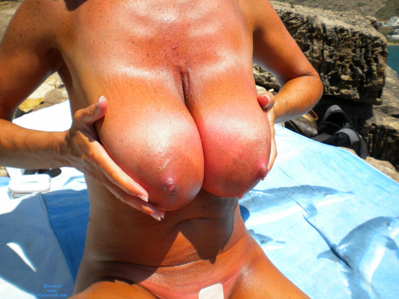 Pic #1 - Huge Tits - Huge Tits, Nude Amateur, Nude Wife , Worlds Argest Areolas, Big-breasted Babe, Sunburned Boobies, Heavy Hangers In Sun, Tanned And Burnt, Extremely Heavy Breasts, Sunburnt Monsters, Super Size, Well Tanned Tits