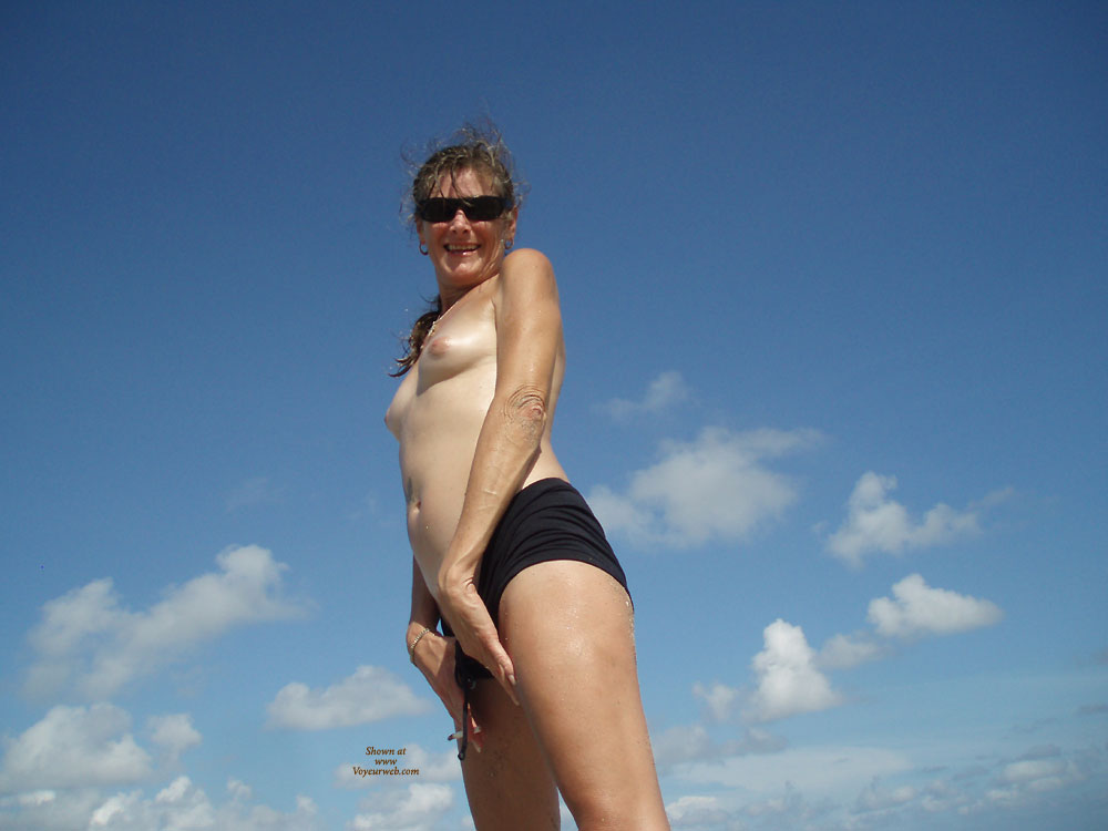Pic #1 - Florida Trip Hobe Sound , My Girlfriend On Recent Trip To Florida. We Had A Fantastic Time! She Loves To Be Naked Outdoors.