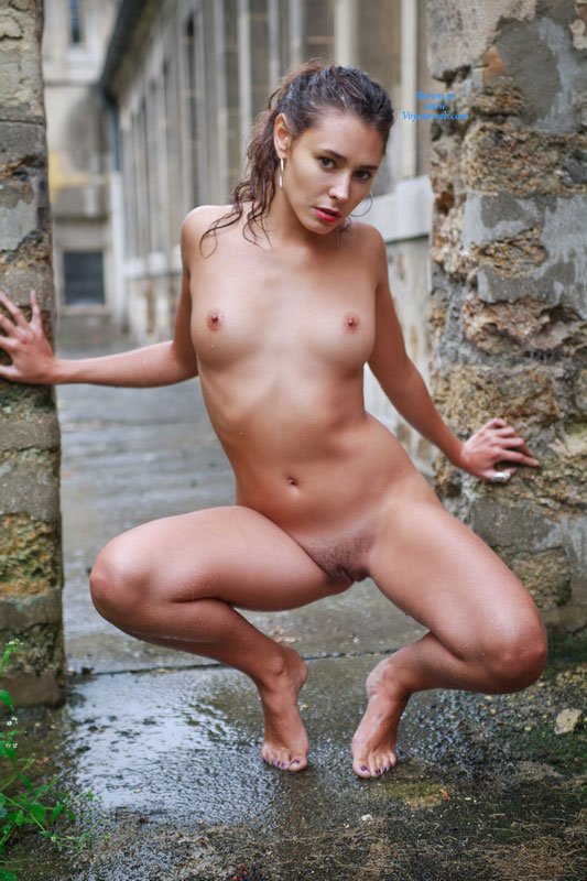 Miss universe in nude
