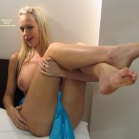 amateur cross legged nudes