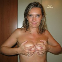 Milf Handbra - Blonde Hair, Long Hair, Milf, Nude Amateur