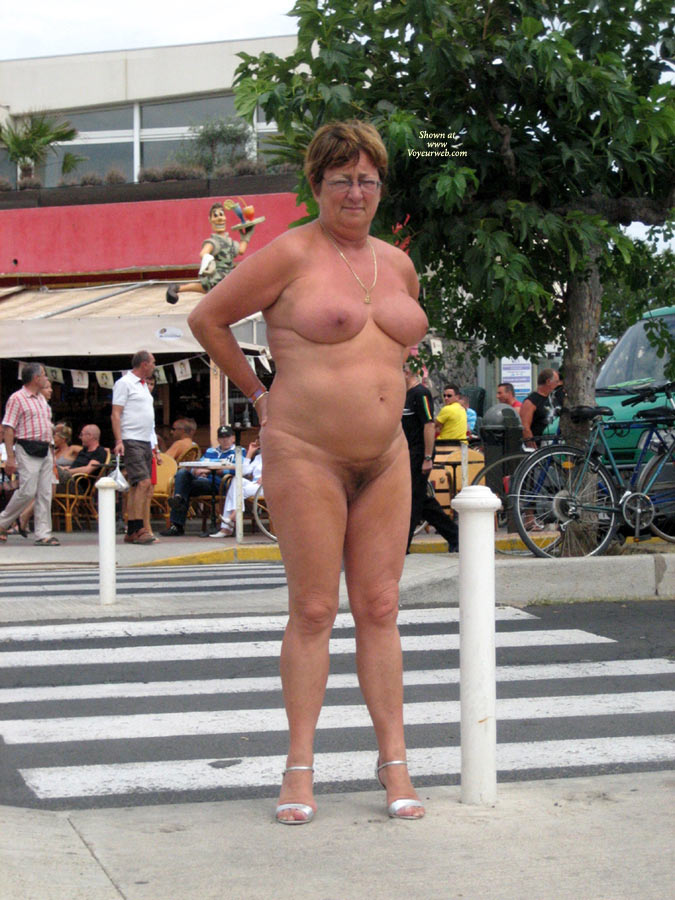 Pic #1 Naked Outside