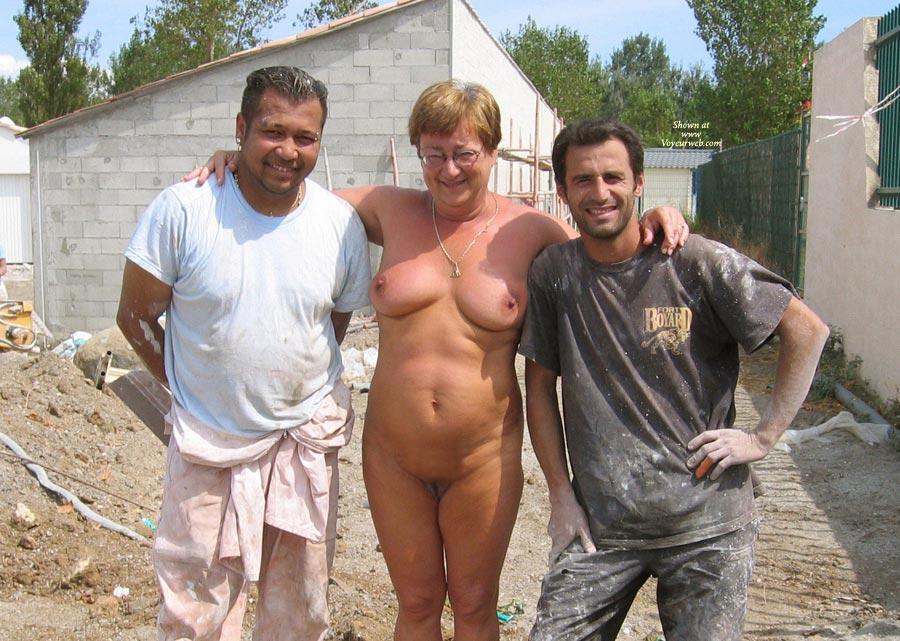 Pic #7 Naked Outside