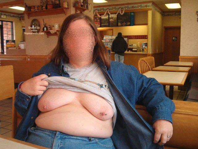 Pic #4 - More Of Peaches (Bbw) Flashing In Tx