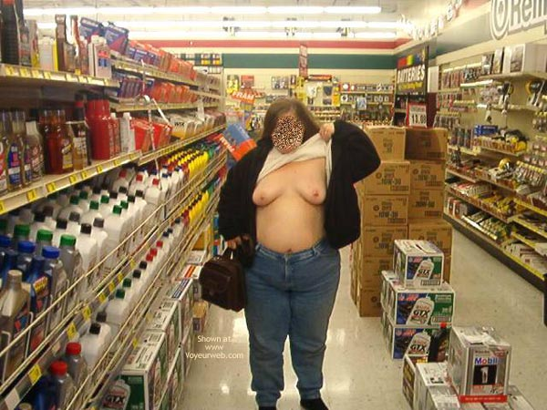 Pic #8 - More Of Peaches (Bbw) Flashing In Tx