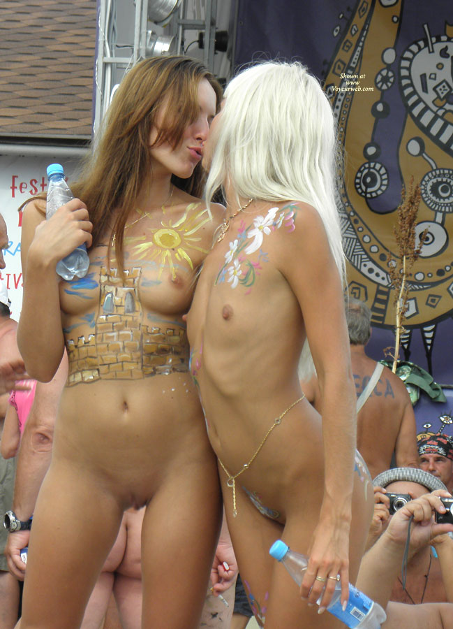 Pic #4 - Black Sea ... Nudist Beauty Contest. Part I: Blonde