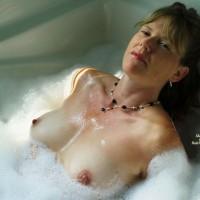 Nc_lady Bathtime