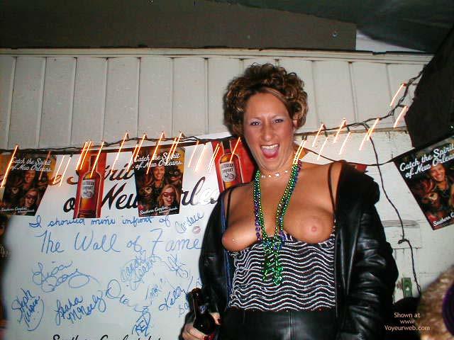Pic #6 - Nakedgirl Exposed In Public
