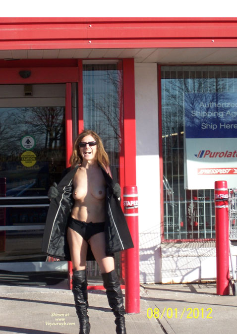 Pic #1 - Canadian Italian Talent , Sunday I Drove Verona To Staples And Canadian Tire .....she Was Quite Horny And Want To Show Herself To Other Voyeur Webbers.  Enjoy The Canadian Italian Talent.  Joystick44