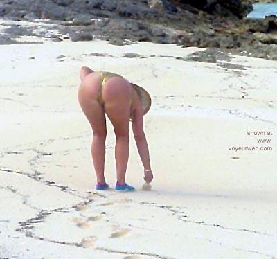 Pic #5 - Mary      Ann @ The Beach 2
