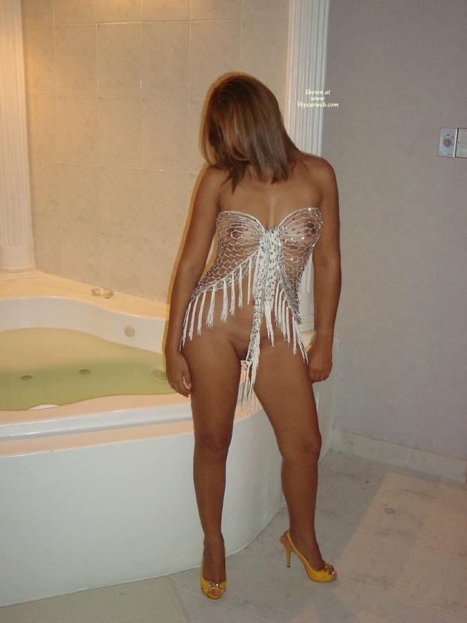 Pic #1 - Lulu In A Net , HI, IM LuLu A SEXY HOT WIFE FOR YOU