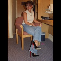 Milf In Jeans & Pantyhose 1