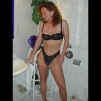 Redhead Vera In Bath