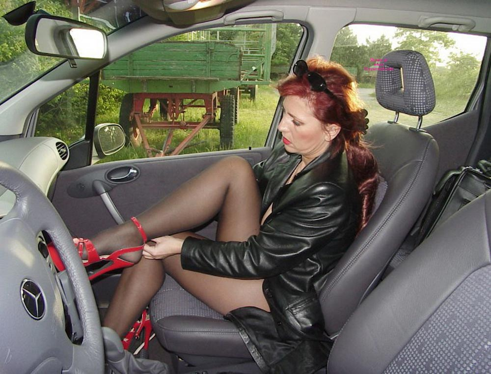 Pic #1 - Lady E Getting Nude In A Car , Erika Prepairs Herself For Strangers She Want To Suck Off In Parking Lots
