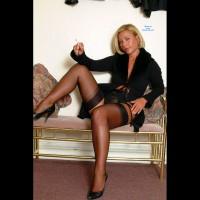 Elegant Milf Tracy In Black Lingerie 1