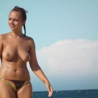 Topless Dans Le Sud