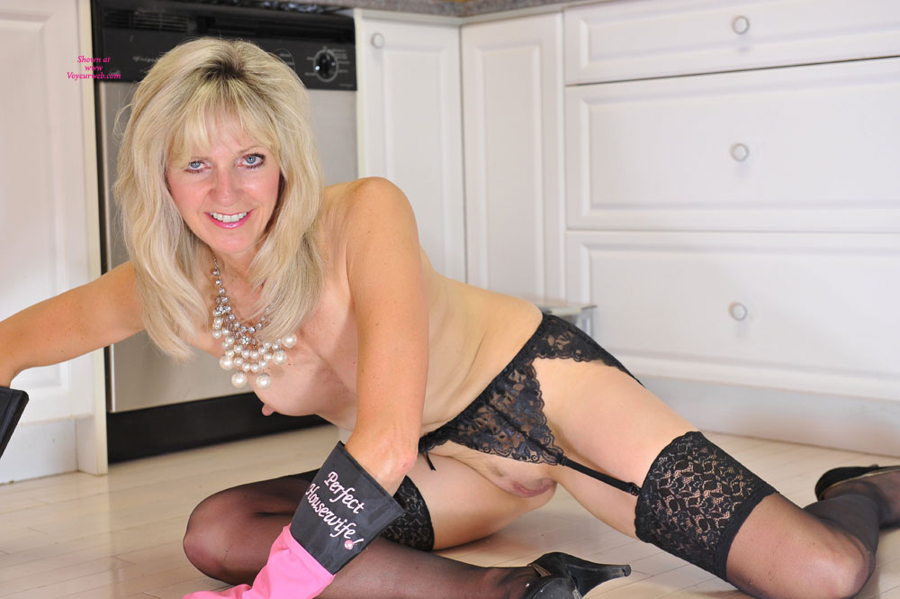 Pic #7 - Sinsation - Perfect Housewife