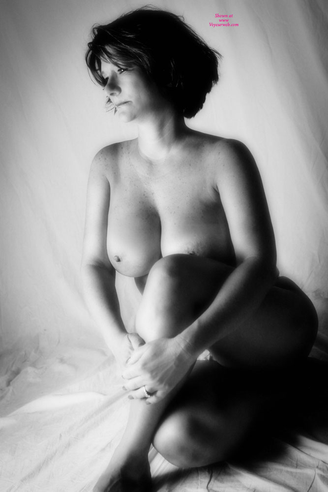 Pic #1 - Dee Black And White , Dee, Beauty Is Beyond Skin Deep