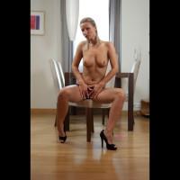 Topless Ingrid