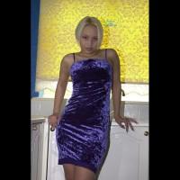 Busty Rhiana In Her Kitchen 1