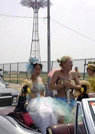 Pic #4 - Coney Island Mermaids