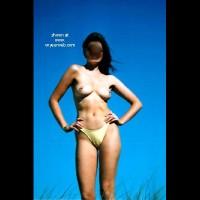 OZ      Beach Girl