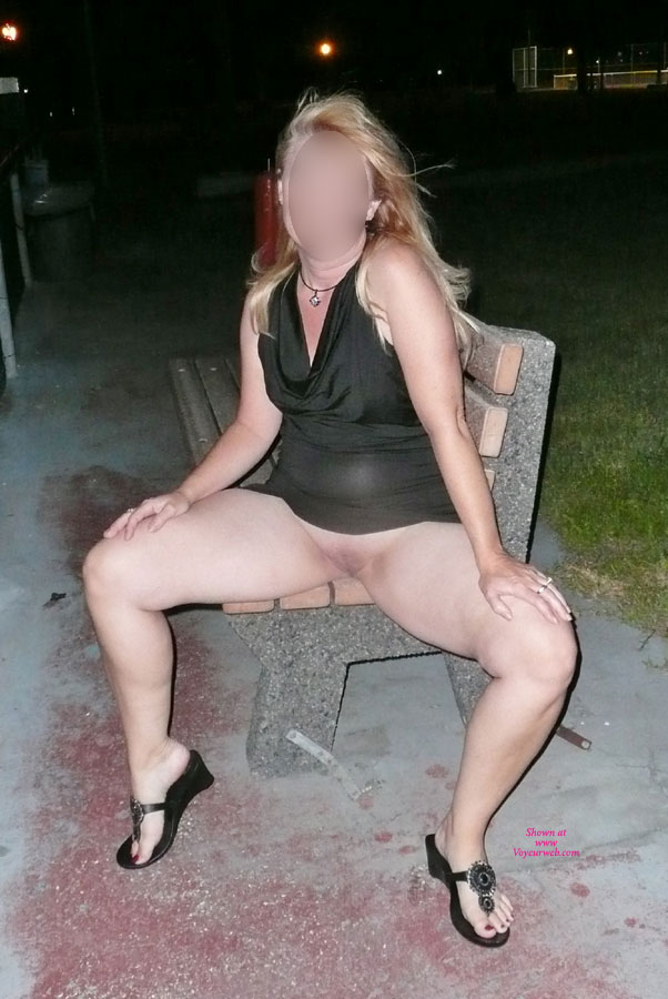 Hot pictures Landing strip busted