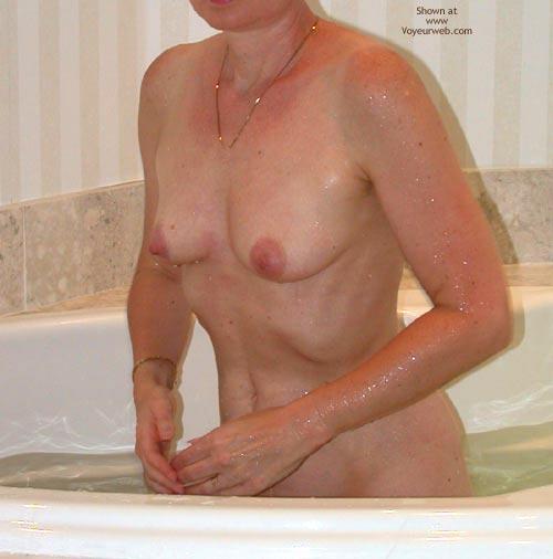 Pic #4 - Clarissa In The Tub 3