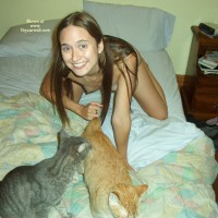 Tite Souris And Her Cats 2
