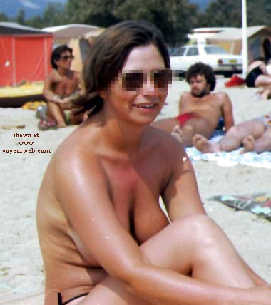 Pic #5 - Rosie - Topless On The Beach