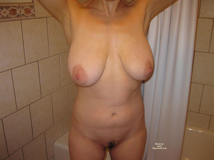 Pic #1 - Nude Amateur:Hefty Boobs - Nude Amateurs
