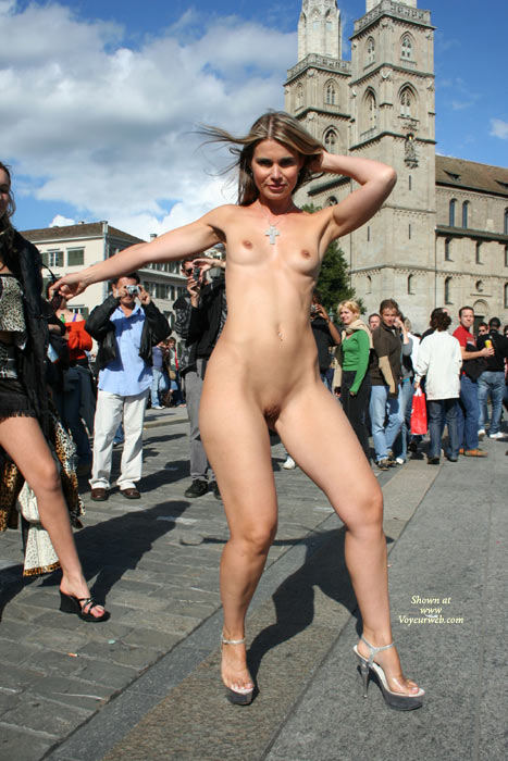 Shaved pussy in public