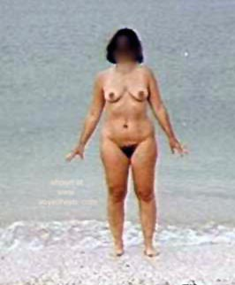 Pic #1 - Liz      at the Beach