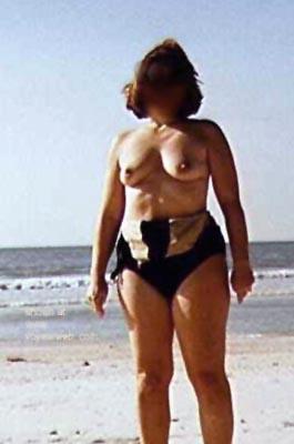 Pic #3 - Liz      at the Beach