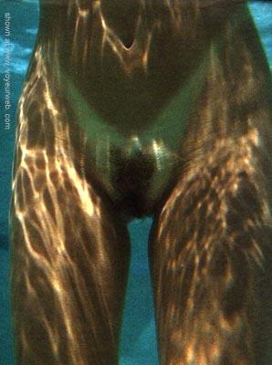 Pic #2 - Jen      Underwater