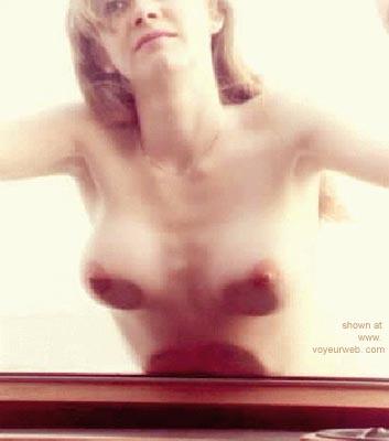 Pic #4 - Skin against Glas
