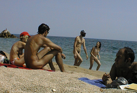 Pic #4 - WS:      Beach and Uppies I
