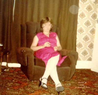 Pic #1 - Susan      Stripped