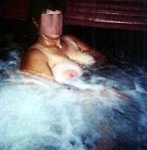 Pic #5 - Hot      Tub