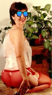 Pic #7 - Wifes      Friend Susan