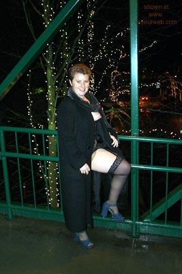 Pic #1 - Vegas      Redhead