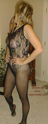 Pic #3 - Lynn      at 40 II
