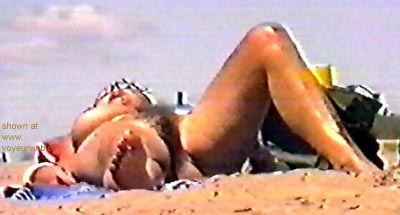 Pic #2 - candid      nud beach 2